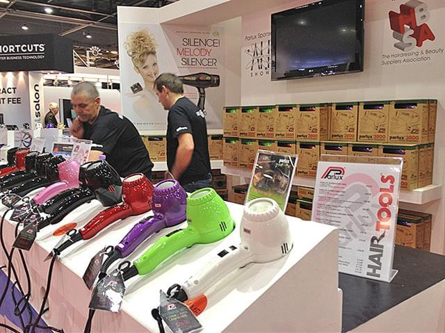 Stand-Parlux-London-2012-2.jpg